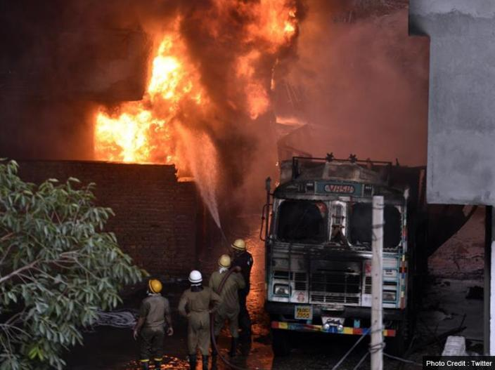 In Pics: Fire at rubber godown in Malviya Nagar south delhi, Mi-17 helicopter and 35 fire engines bring to under control the sit |