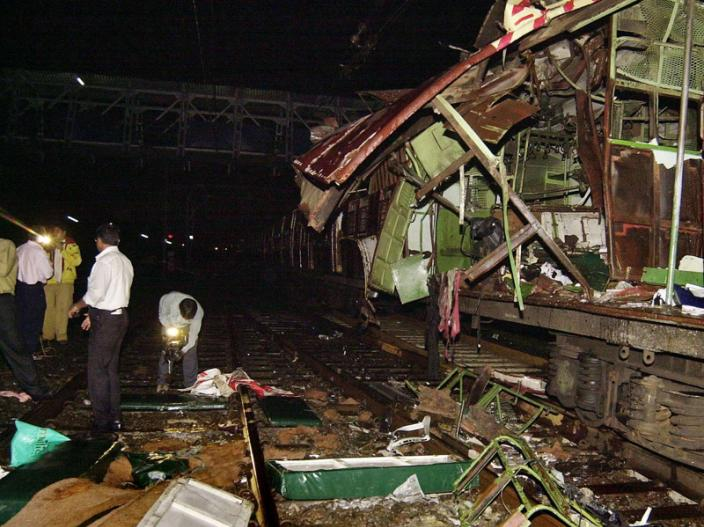 Mumbai Train Blast 11 July, 2006: 7 blasts in just 11 minutes, more than 100 people died |