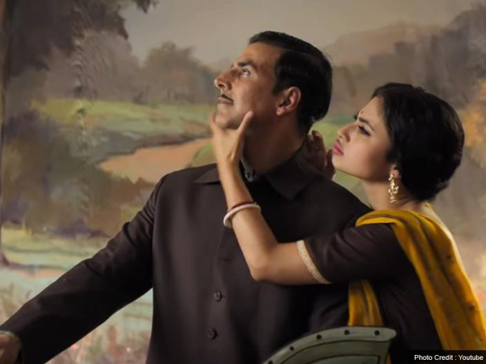 In Pics: Akshay kumar and mouni Roy starrer gold first song Naino Ne Baandhi Released, See love chemistry |