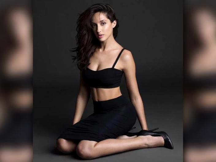 Nora fatehi Hot and sexy Bikni Pics |