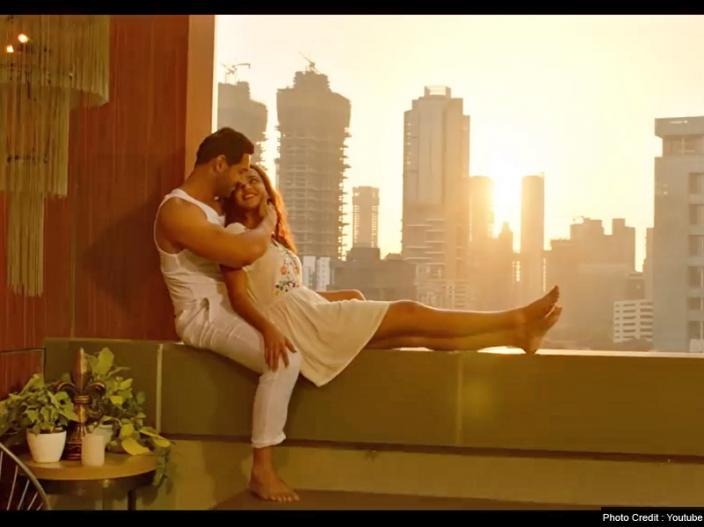 Satyameva Jayate: PANIYON SA Song Released: Aisha sharma and john abhram love and cute chemistry were lovable |