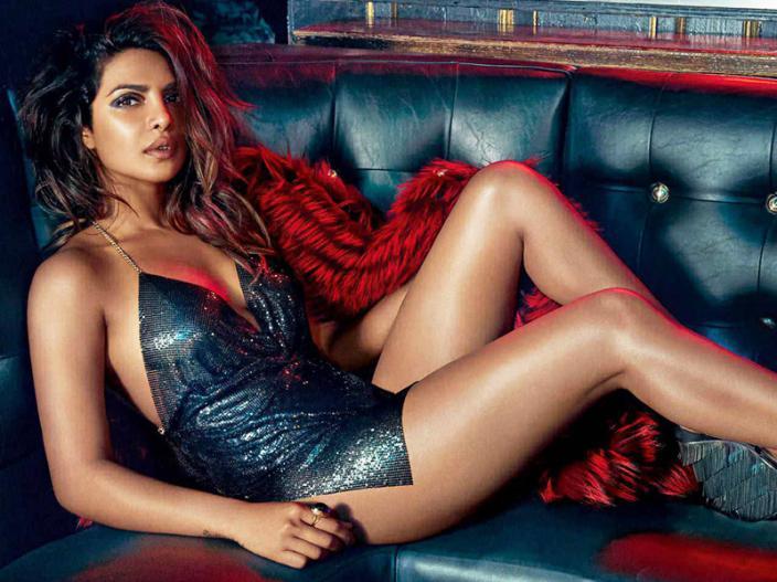 Priyanka Chopra Hot Sexy Bold And Sensational Pics, See Images | इन  तस्वीरों में देखें प्रियंका चोपड़ा का अब तक का सबसे हॉट अवतार, देखें  तस्वीरें | Lokmat News Hindi