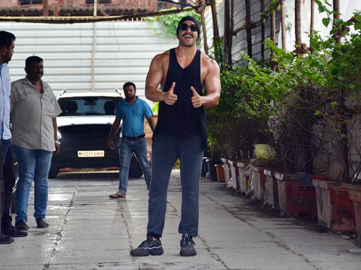 In Pics: Ranveer Singh show biceps outside the gym spotted in bandra Mumbai |