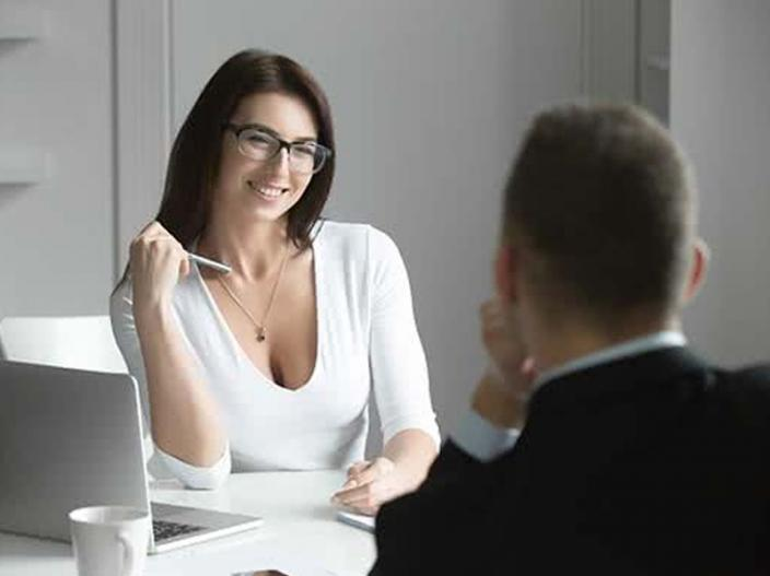 approach women colleague in your office |