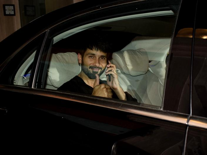 Shahid Kapoor spotted outside Ekta Kapoor's house |