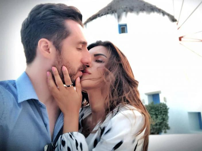 In Pics: Shama Sikander Share Her Lip Lock Photos with fiancé James Milliron on Instagram |