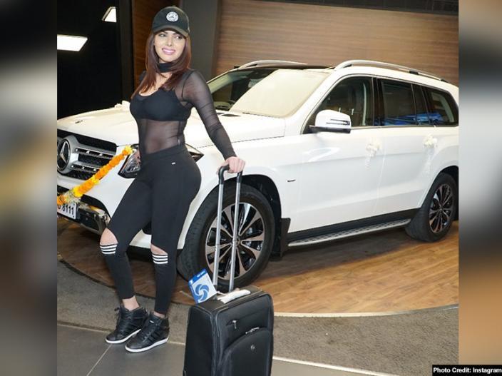 Sherlyn chopra new car Mercedes- Benz GLS350d Grand |
