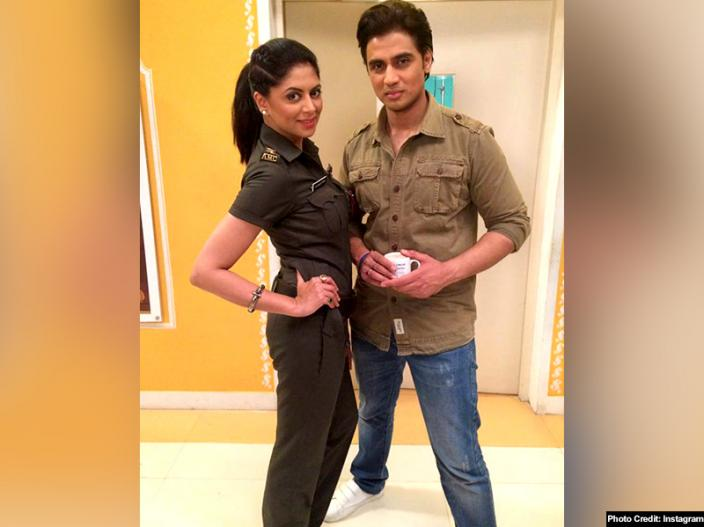 shiv pandit tie the marriage knot with ameira punvani |