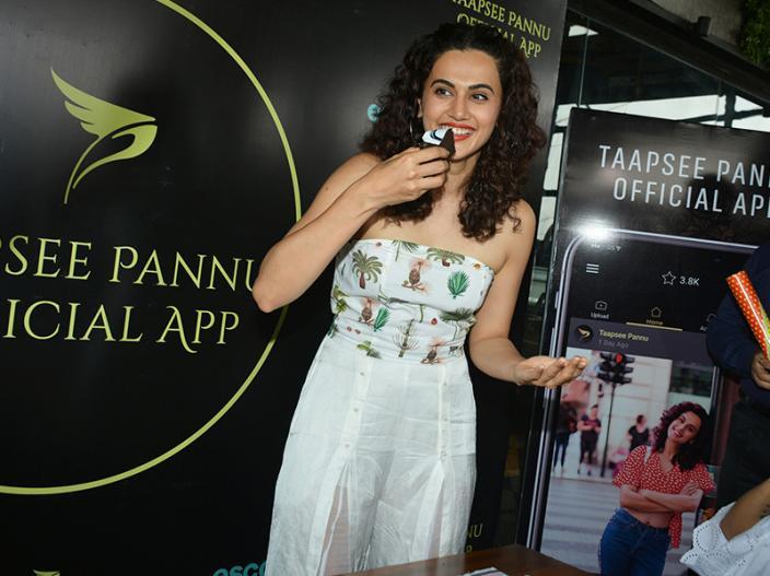 IN Pics: Mulk actress Taapsee Pannu official app launch at bombay adda bandra Mumbai, HD Images, Photos |