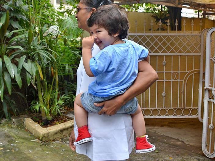 Celebs Kids Spotted Pics: Taimur ali khan and Inaaya Naumi Kemmu Spotted at Bandra Mumbai |