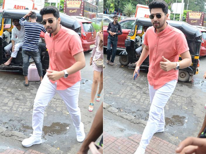 Tiger Shroff, Disha Patani, Suhana Khan, Ananya Panday, Karan Johar & others B-Town Celebs Spotted in bandra  