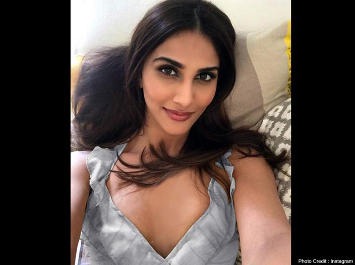 Vaani Kapoor Share Bold, Hot and Sexy Photos in Gym Outfit |