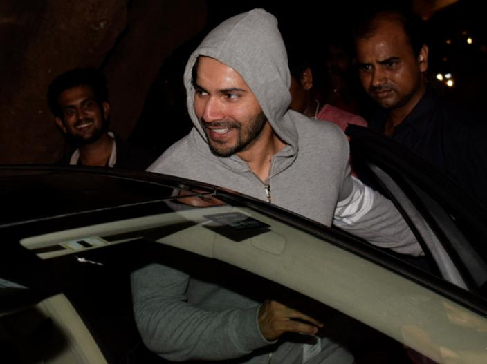 Sui Dhaaga Actor Varun Dhawan Spotted in Juhu after Gym Session |