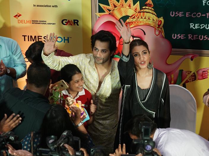 Sui Dhaaga Promotion: Varun Dhawan & Anushka Sharma launch the Times Green Ganesha at Oberoi mall in goregaon |