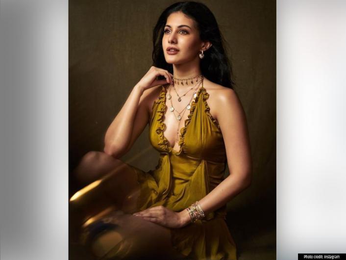 Amyra Dastur photoshoot